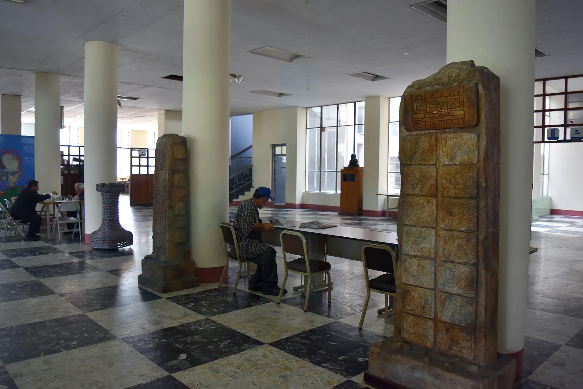 biblioteca 06