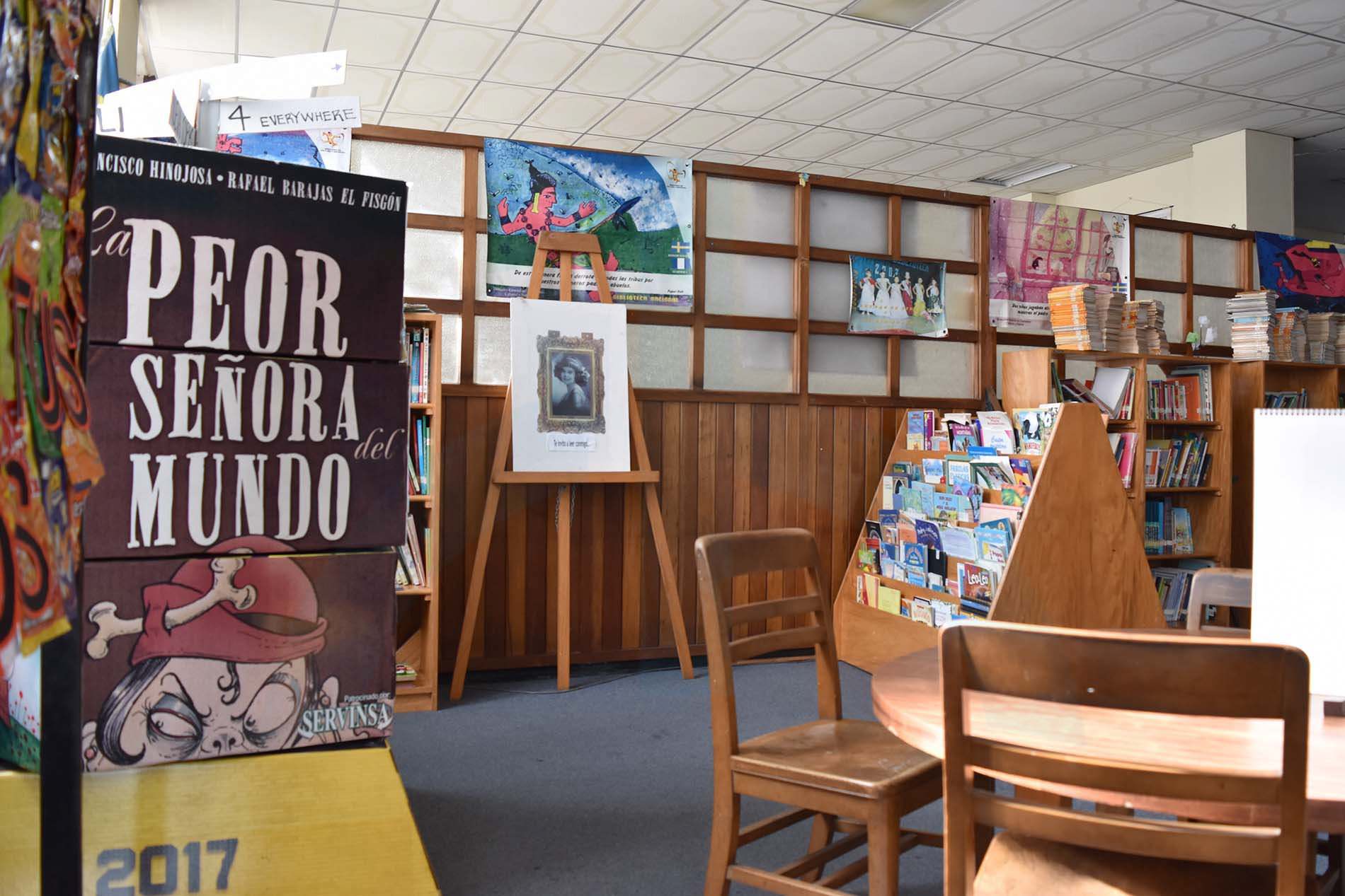 biblioteca 07